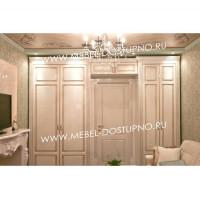 Встроенный шкаф вокруг двери в Москве